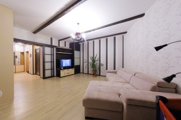 1-комн. квартира, 45 кв.м. на 4 человека, улица Щербакова, 35, Екатеринбург - Фотография 1