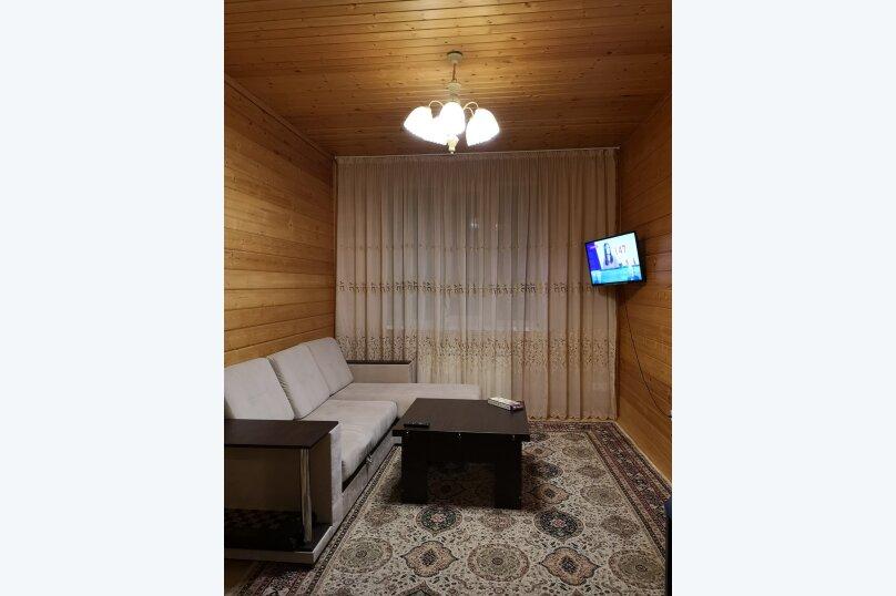 """Гостевой дом """"HappyHouse-Polyana"""", улица ГЭС, 21/1 на 2 комнаты - Фотография 5"""