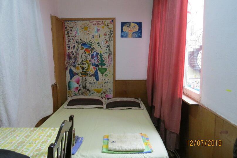 """Отель """"Valdi Hostel Tbilisi"""", улица Грибоедова, 16 на 5 номеров - Фотография 12"""