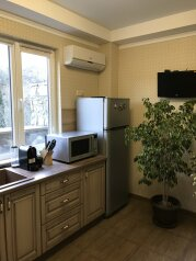 Дом, 200 кв.м. на 4 человека, 1 спальня, улица Глазкрицкого, Алушта - Фотография 3