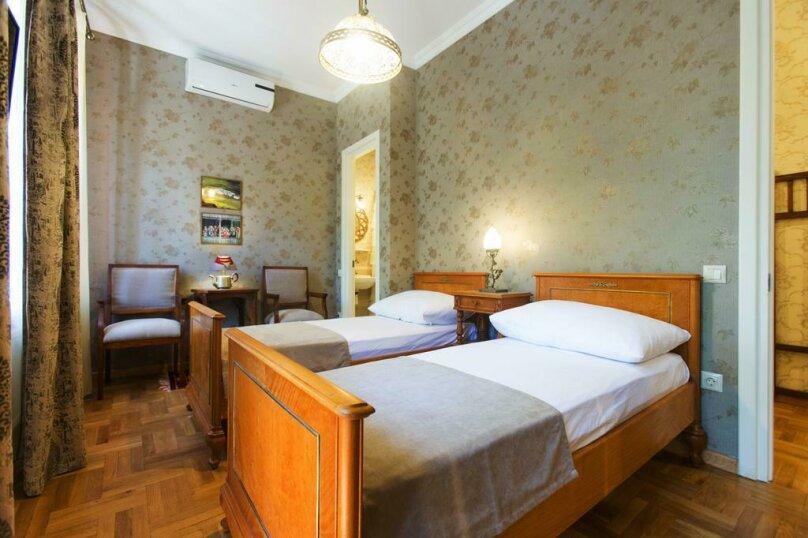 Двухместный номер Делюкс с 1 кроватью или 2 отдельными кроватями и балконом, Авлабари, улица Елены Ахвледиани, 14, Тбилиси - Фотография 1