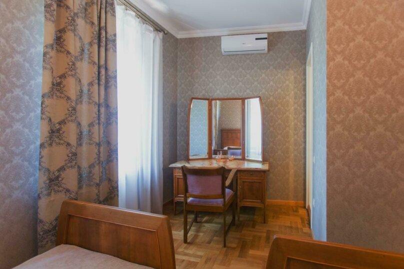 Двухместный номер Делюкс с 1 кроватью или 2 отдельными кроватями , Авлабари, улица Елены Ахвледиани, 14, Тбилиси - Фотография 1