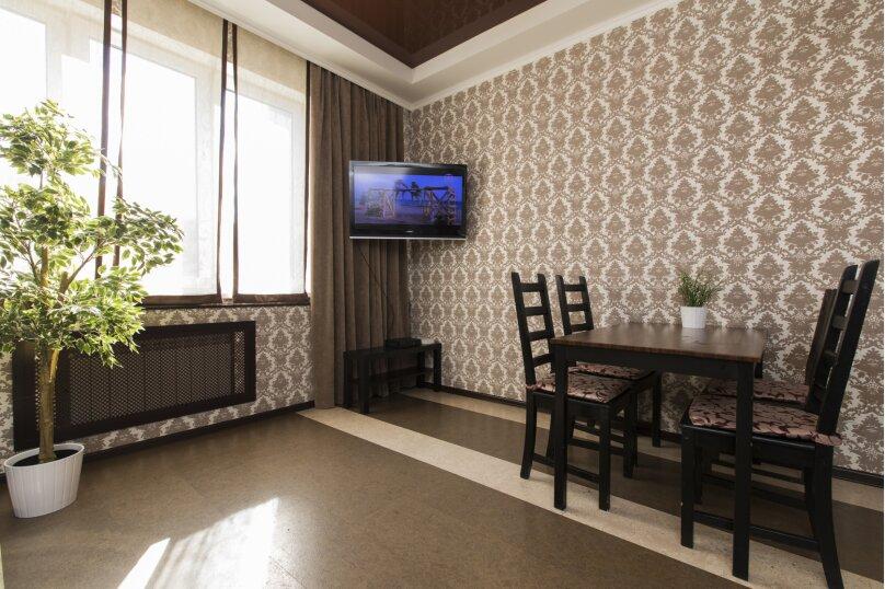 2-комн. квартира, 70 кв.м. на 4 человека, улица Белинского, 15, Нижний Новгород - Фотография 2