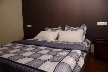 Четырехместный номер:  Номер, 4-местный, 2-комнатный, Гостиница Mkudro, Нуцубидзе Плато 4 мкр, ул. Авто Варази на 8 номеров - Фотография 4
