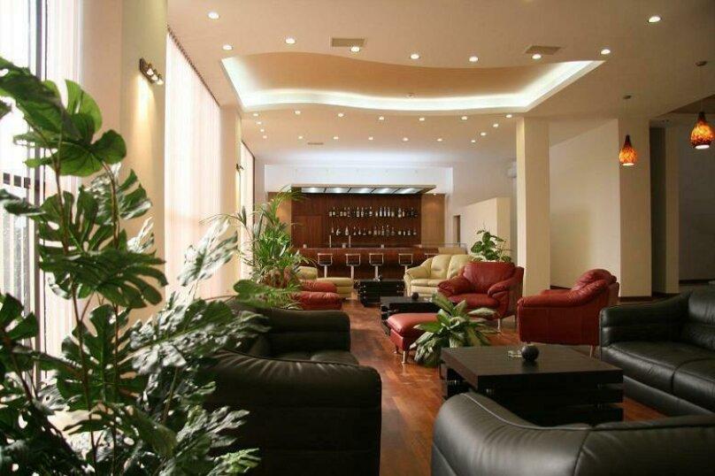 """Отель """"D'Plaza"""", улица Константина Станиславского, 5 на 19 номеров - Фотография 2"""