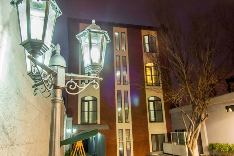 """Отель """"New Hotel"""", улица Гарекахети, 9 на 15 номеров - Фотография 1"""