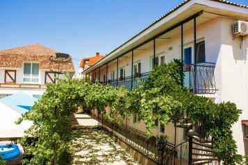 Гостевой дом, улица Симонок, 139 на 17 номеров - Фотография 1