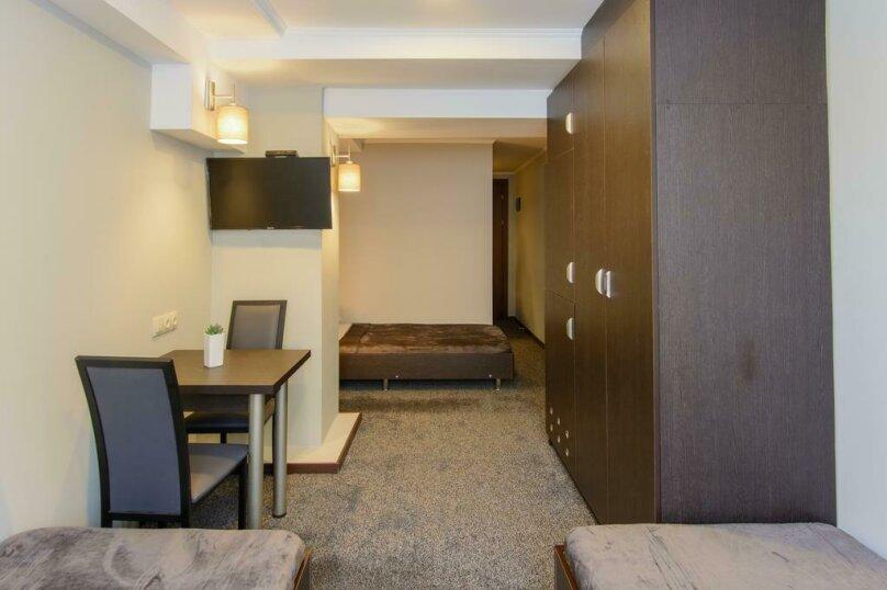 """Отель """"Reverence"""", улица Мераба Костава, 47 на 7 номеров - Фотография 21"""