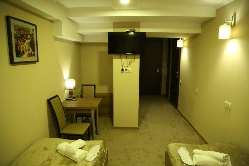 """Отель """"Reverence"""", улица Мераба Костава, 47 на 7 номеров - Фотография 29"""