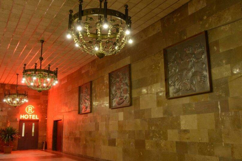 """Отель """"Reverence"""", улица Мераба Костава, 47 на 7 номеров - Фотография 4"""