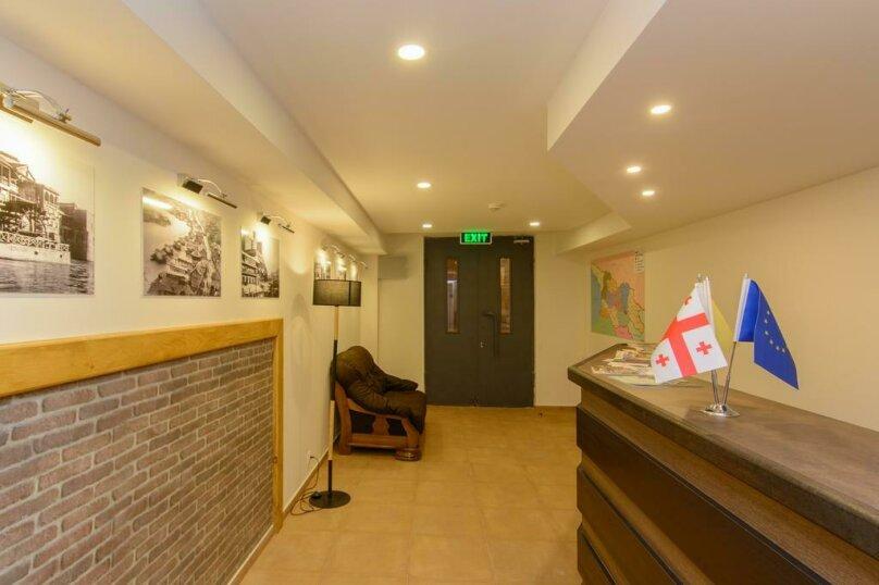 """Отель """"Reverence"""", улица Мераба Костава, 47 на 7 номеров - Фотография 5"""