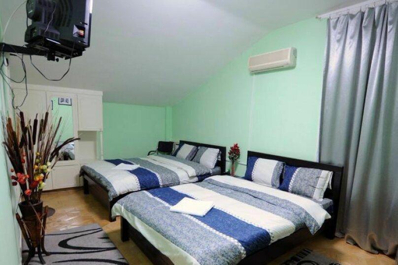 Семейный номер , улица Арчила Цагарели, 74, Тбилиси - Фотография 1