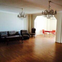Oto Hotel, улица Пиросмани, 8 на 5 номеров - Фотография 2