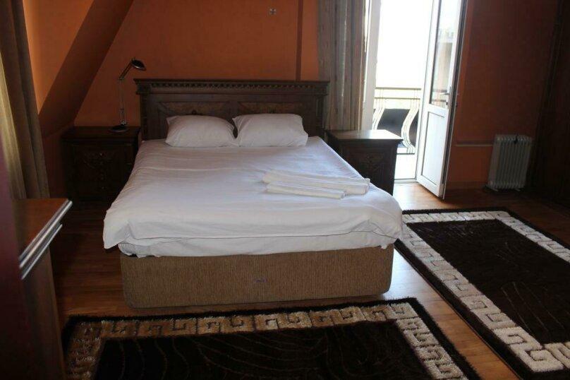 Двухместный номер с 1 кроватью и балконом , улица Ахмеда Мелашвили, 2, Батуми - Фотография 1