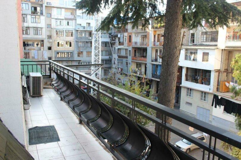 """Гостевой дом """"My Warm Guest House"""", улица Ахмеда Мелашвили, 2 на 10 комнат - Фотография 59"""