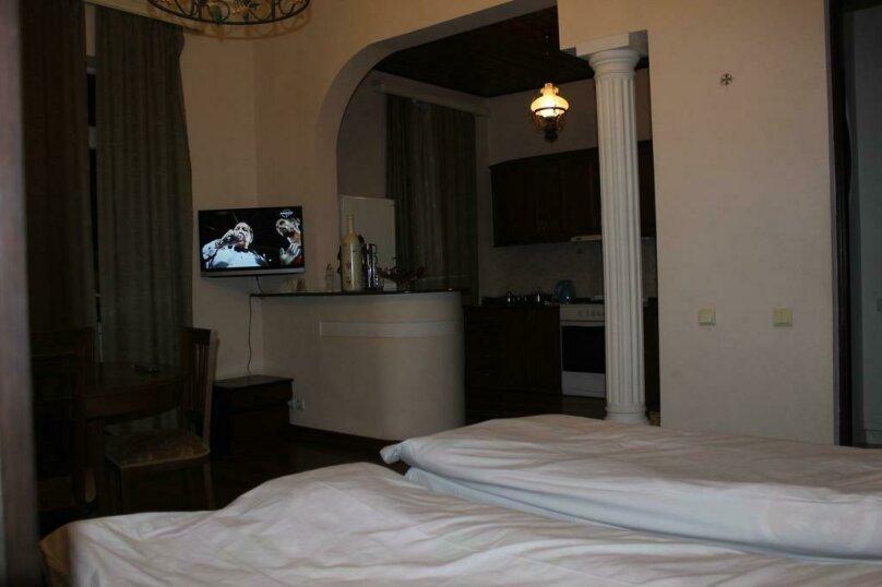 """Гостевой дом """"My Warm Guest House"""", улица Ахмеда Мелашвили, 2 на 10 комнат - Фотография 11"""