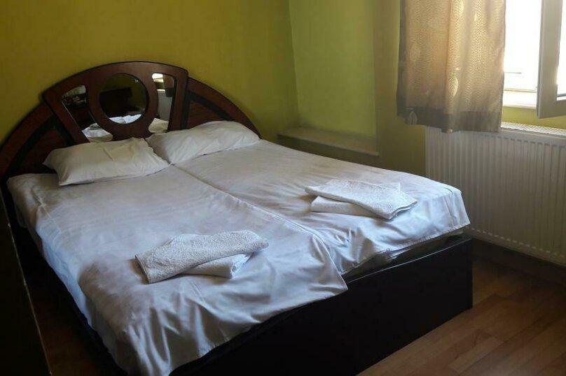 """Гостевой дом """"My Warm Guest House"""", улица Ахмеда Мелашвили, 2 на 10 комнат - Фотография 25"""