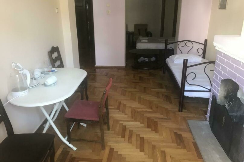 """Гостевой дом """"My Warm Guest House"""", улица Ахмеда Мелашвили, 2 на 10 комнат - Фотография 14"""