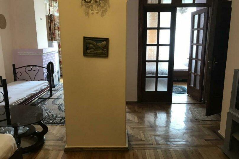 """Гостевой дом """"My Warm Guest House"""", улица Ахмеда Мелашвили, 2 на 10 комнат - Фотография 20"""