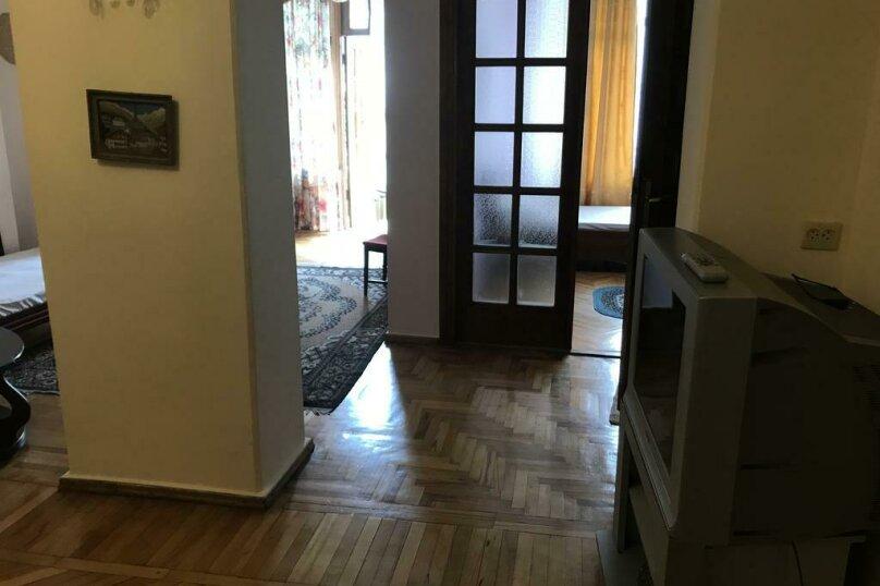 """Гостевой дом """"My Warm Guest House"""", улица Ахмеда Мелашвили, 2 на 10 комнат - Фотография 21"""