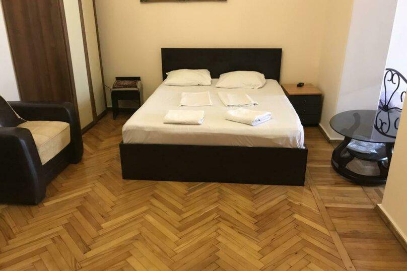 """Гостевой дом """"My Warm Guest House"""", улица Ахмеда Мелашвили, 2 на 10 комнат - Фотография 23"""