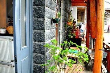 Гостевой дом «Тамар» в центре Тбилиси, улица Михаила Цинамдзгвришвили, 66 на 4 номера - Фотография 1