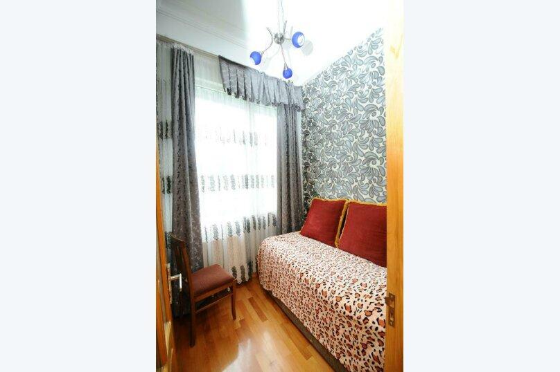 "Гостевой дом ""Dzveli Batumi"", улица Мераба Костава, 24 на 18 комнат - Фотография 7"