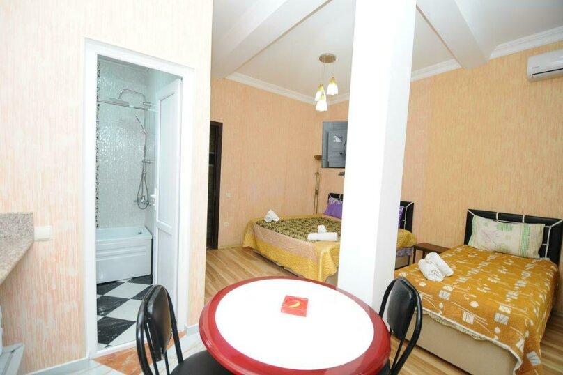 "Гостевой дом ""Dzveli Batumi"", улица Мераба Костава, 24 на 18 комнат - Фотография 41"