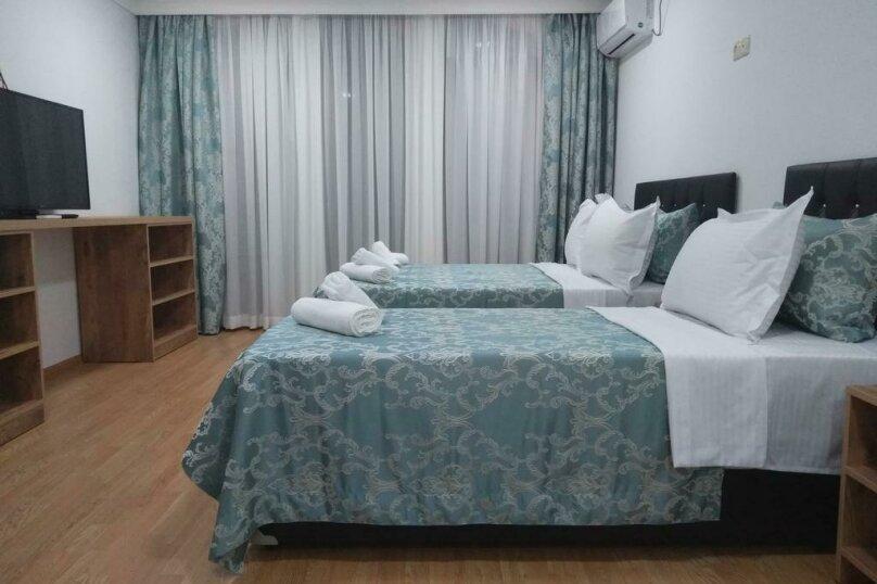 "Гостевой дом ""Dzveli Batumi"", улица Мераба Костава, 24 на 18 комнат - Фотография 52"