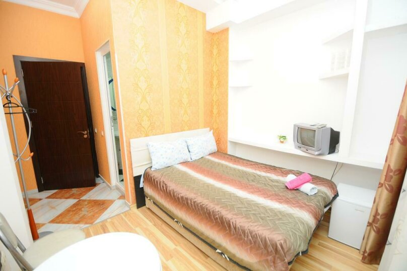 "Гостевой дом ""Dzveli Batumi"", улица Мераба Костава, 24 на 18 комнат - Фотография 37"