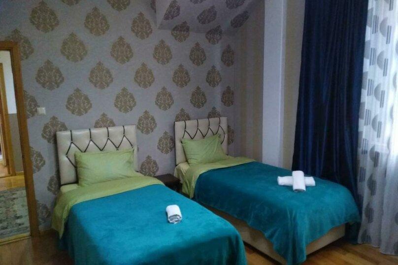 "Гостевой дом ""Dzveli Batumi"", улица Мераба Костава, 24 на 18 комнат - Фотография 24"