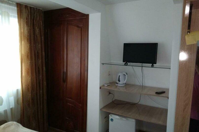 "Гостевой дом ""Dzveli Batumi"", улица Мераба Костава, 24 на 18 комнат - Фотография 11"