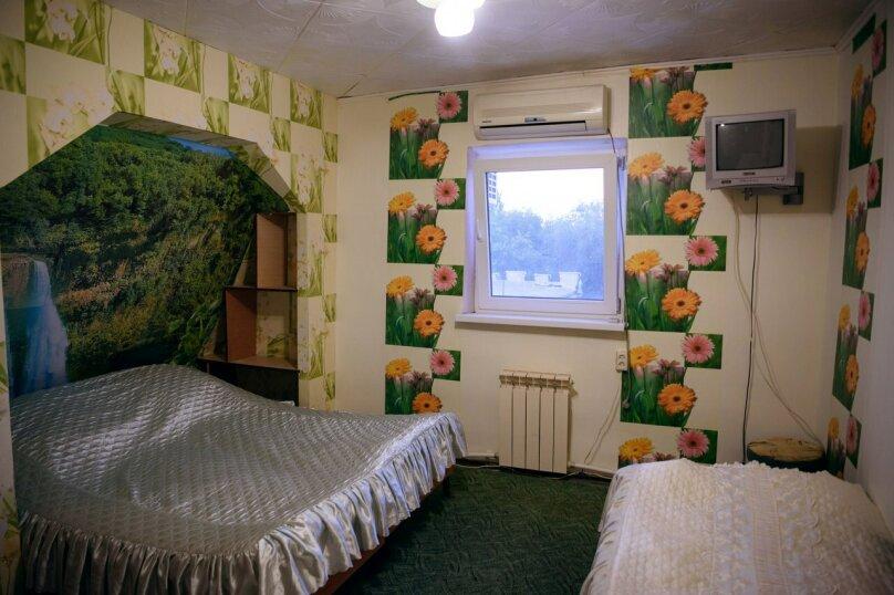 Однокомнатные апартаменты №2, 3,  4, ,5  (2 этаж, кухня общая), улица Нахимова, 53, Феодосия - Фотография 4