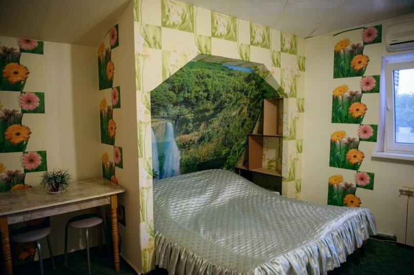 Однокомнатные апартаменты №2, 3,  4, ,5  (2 этаж, кухня общая), улица Нахимова, 53, Феодосия - Фотография 5