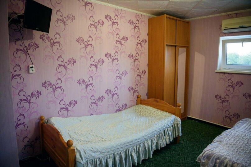 Однокомнатные апартаменты №2, 3,  4, ,5  (2 этаж, кухня общая), улица Нахимова, 53, Феодосия - Фотография 6
