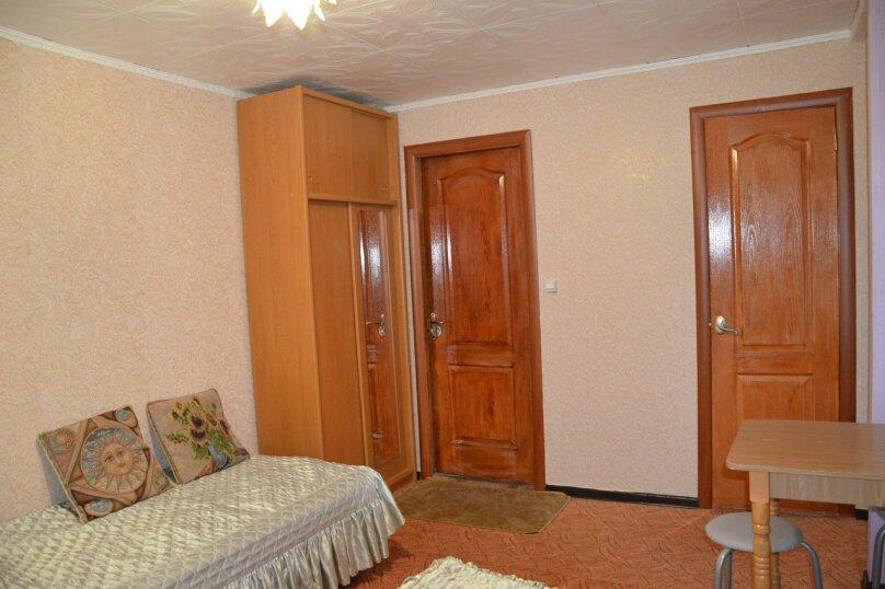 Однокомнатные апартаменты №2, 3,  4, ,5  (2 этаж, кухня общая), улица Нахимова, 53, Феодосия - Фотография 9