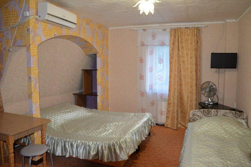 Однокомнатные апартаменты №2, 3,  4, ,5  (2 этаж, кухня общая), улица Нахимова, 53, Феодосия - Фотография 10