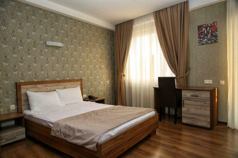 Двухместный номер с 1 кроватью, улица Махата, 10, Тбилиси - Фотография 1