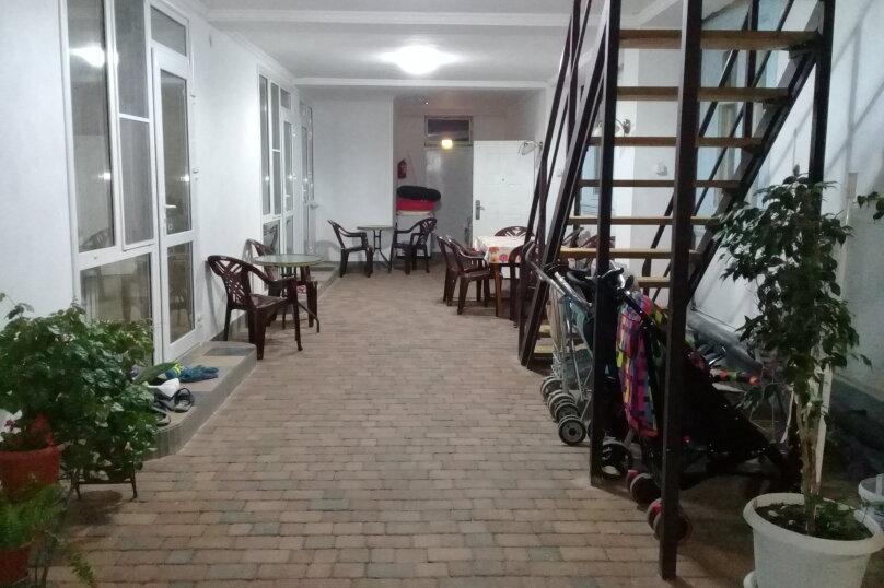 """Гостевой дом """"Константиниди"""", Строительная, 22 на 14 комнат - Фотография 18"""
