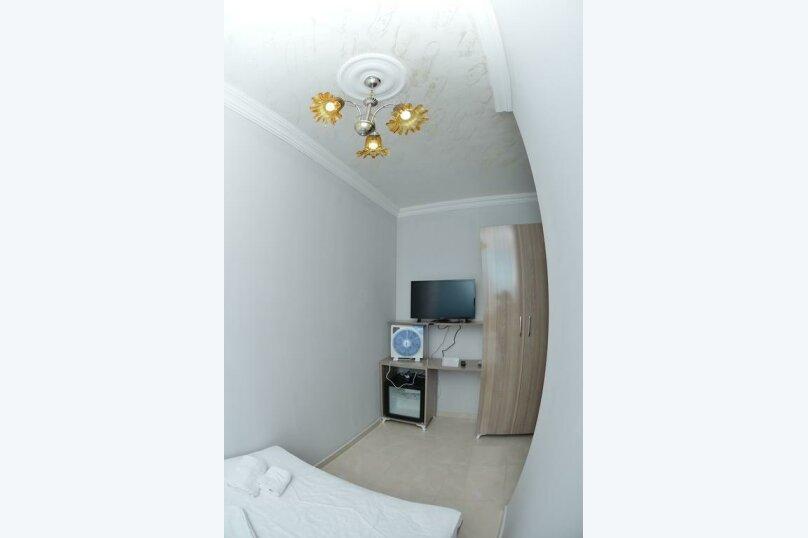 Большой двухместный номер , улица Палавандишвили, 8, Батуми - Фотография 2