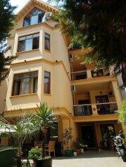 Хостел Batumi Sun, улица Михаила Лермонтова, 24А на 19 номеров - Фотография 1