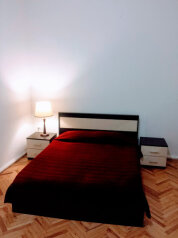 3-комн. квартира, 100 кв.м. на 10 человек, улица Мераба Костава, Тбилиси - Фотография 1