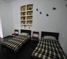 1-комн. квартира, 50 кв.м. на 4 человека, улица Геронтия Кикодзе, Тбилиси - Фотография 4