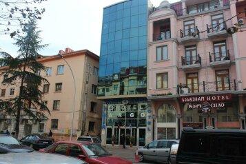 Отель в Батури, улица Зураба Горгиладзе на 33 номера - Фотография 4