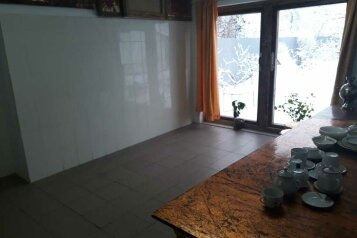Дом художника  с русской печью, но без горячей воды, 100 кв.м. на 3 человека, 2 спальни, проспект Мира, 76, Голицыно - Фотография 4