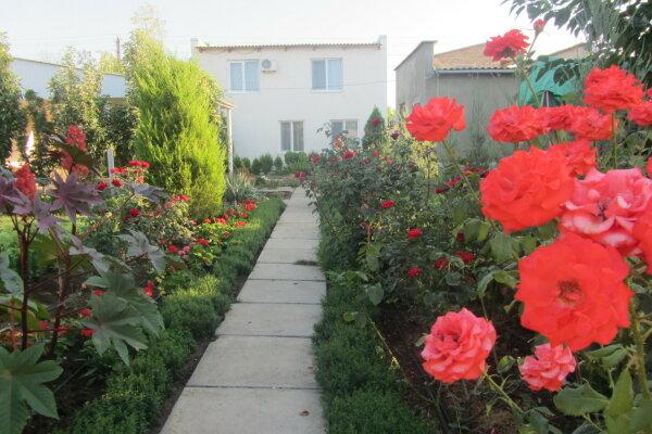 Дом, 100 кв.м. на 9 человек, 4 спальни, Цветочная, 276, Заозерное - Фотография 1