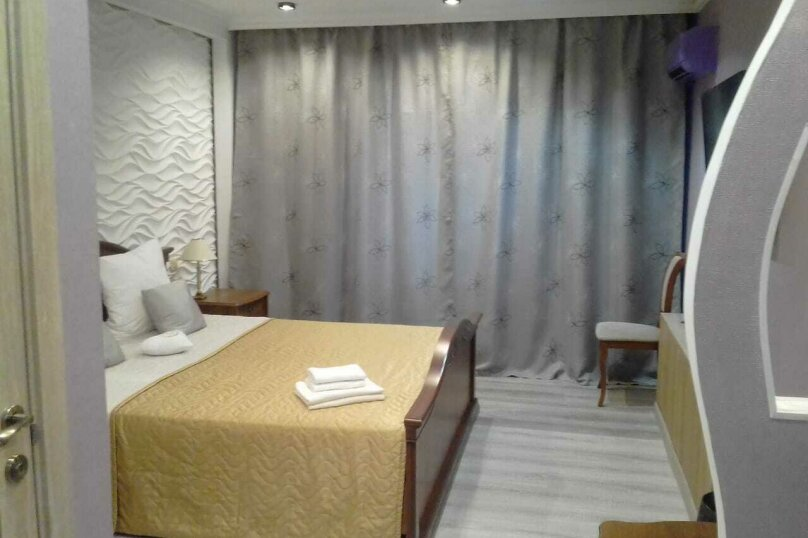 Номер полулюкс COSMOS #10 с оригинальным дизайном, двуспальной кроватью, диваном и собственной ванной комнатой, Красногорский бульвар, 24, Красногорск - Фотография 4