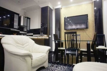 7-комн. квартира на 12 человек, проспект Александра Казбеги, Тбилиси - Фотография 3