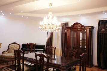 7-комн. квартира на 10 человек, проспект Александра Казбеги, Тбилиси - Фотография 4