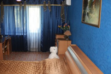 1-комн. квартира, 39 кв.м. на 4 человека, улица Степана Здоровцева, Ленинский район, Астрахань - Фотография 1